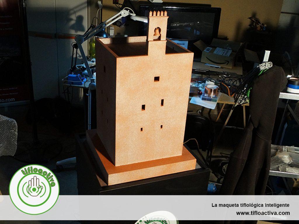 La maqueta tiflológia inteligente de la torre de la vela